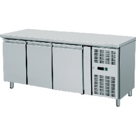 TAVOLO REFRIGERATO TN PASTICCERIA ventilato 3 porte interamente in acciaio inox temp. -2/+8°C cap. 600 lt.
