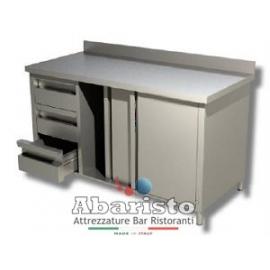 PROF.60: tavolo armadiato attrezzato con porte scorr. e 3 cassetti SX c/alzatina
